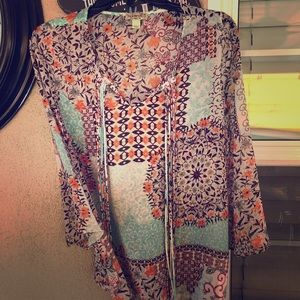 Fun colorful 3/4 sleeved tunic with  string detail